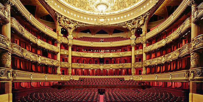 Sur la scène de l'Opéra